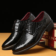 Crocodile Pattern Pointed Toe Shoes