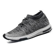 Fly-knitted Sneaker