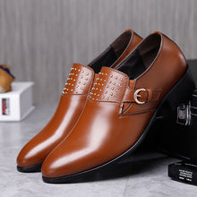 Business Pointy Rivets Men's Dress Shoes