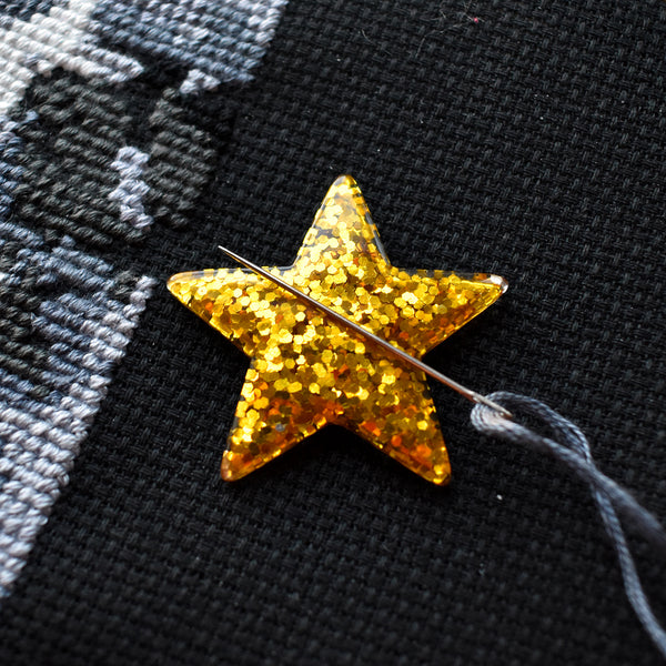 Gold Star Needle Minder