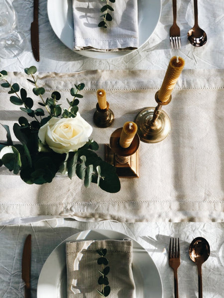 Create this romantic Valentine's table setting with candles