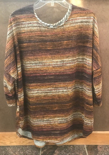 Plus size earthtone patterned top