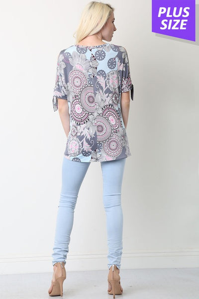 Plus gray floral knotted shirt