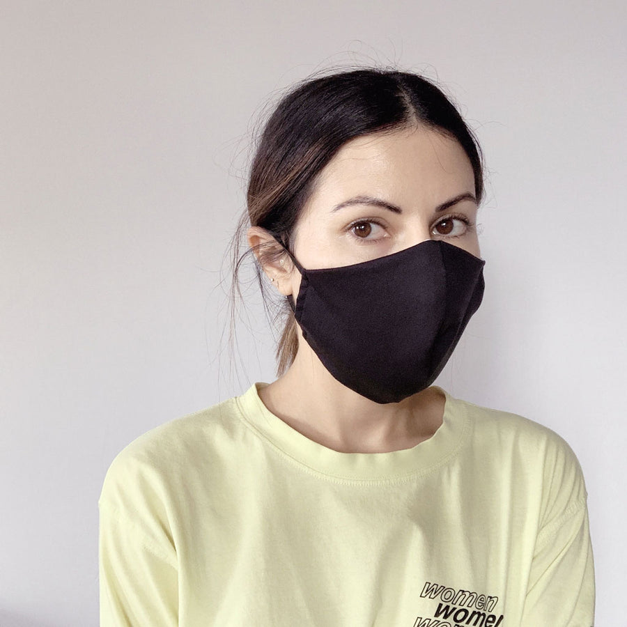 Minimalist Face Mask with Disposable Filters