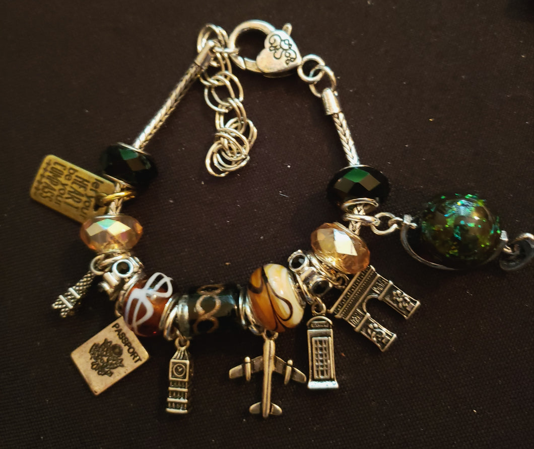 World Traveler Charm Bracelet ✈🌍