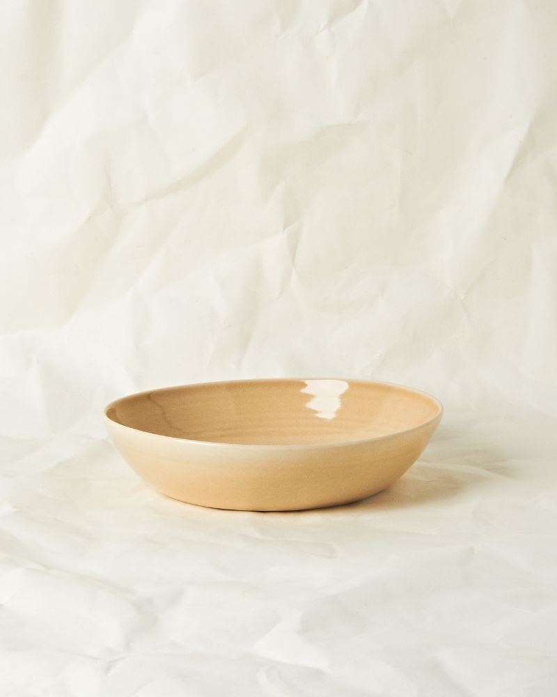 Medium serving bowl in Oatmeal