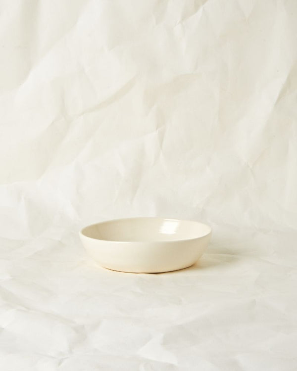 Small serving bowl in Milk