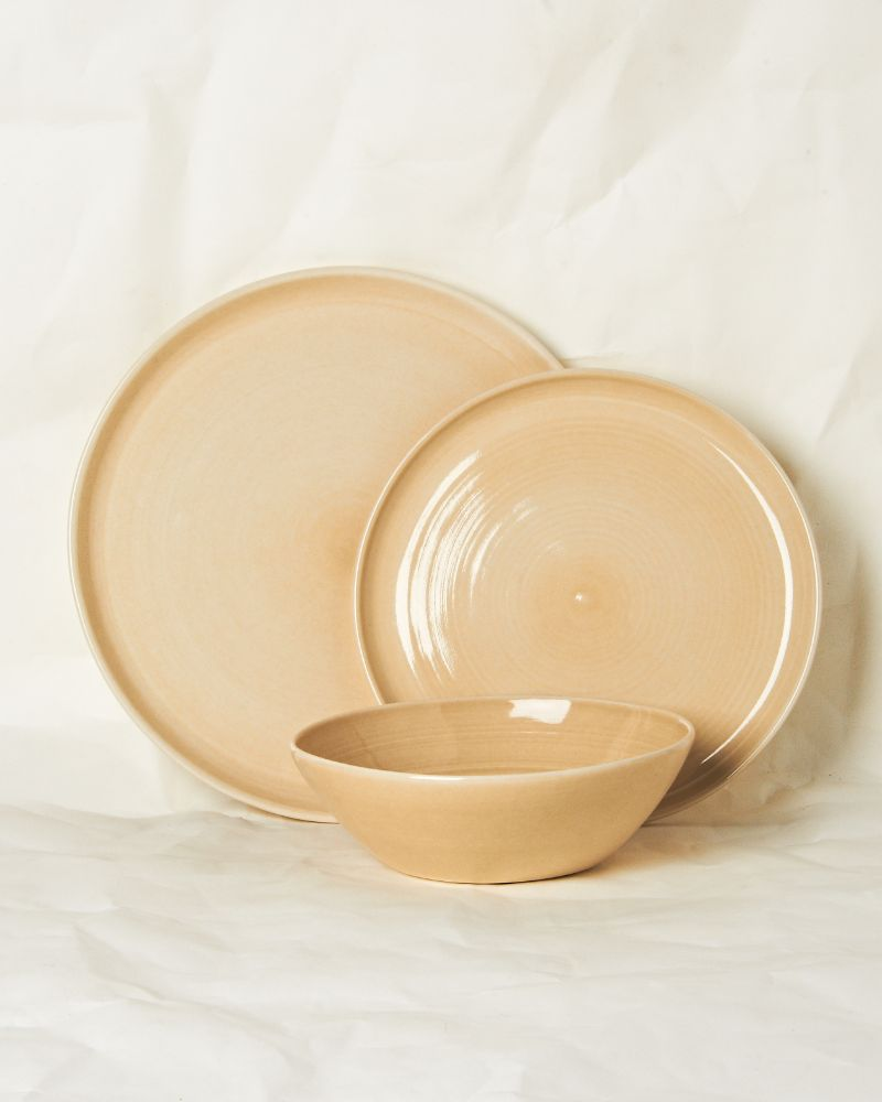 Place setting in Oatmeal