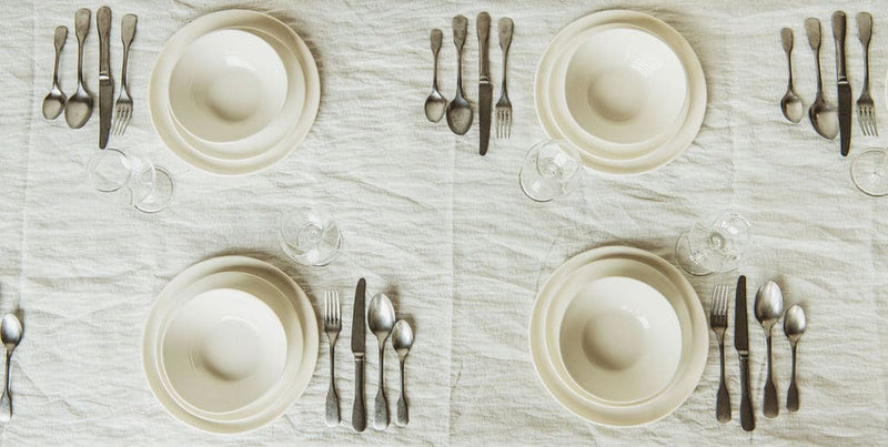 Place setting in Milk
