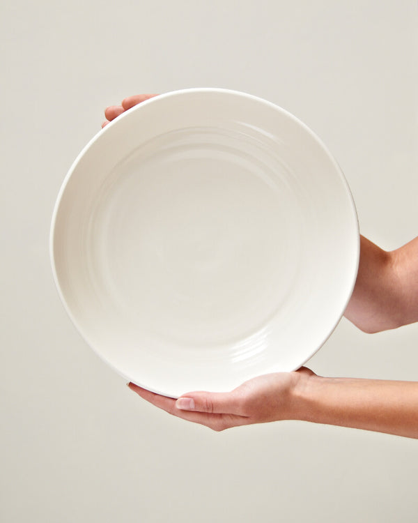 Large serving bowl in Milk