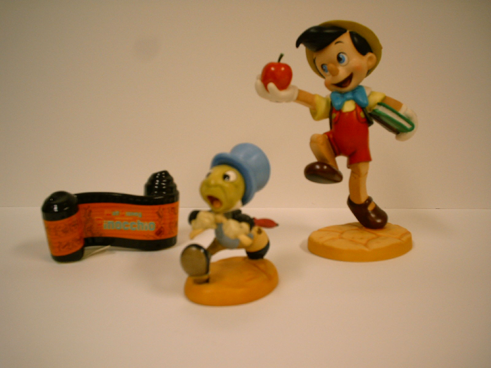 Pinocchio, Jiminy Cricket with Opening Title