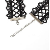 Nancy Choker by Urban Necklace