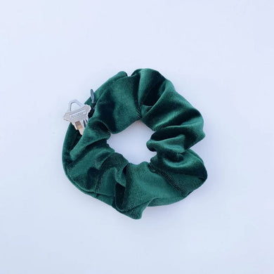 Emerald green hidden pocket velvet scrunchie