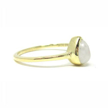 yellow gold pear moonstone ring
