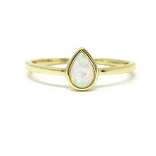 Yellow gold pear opal ring