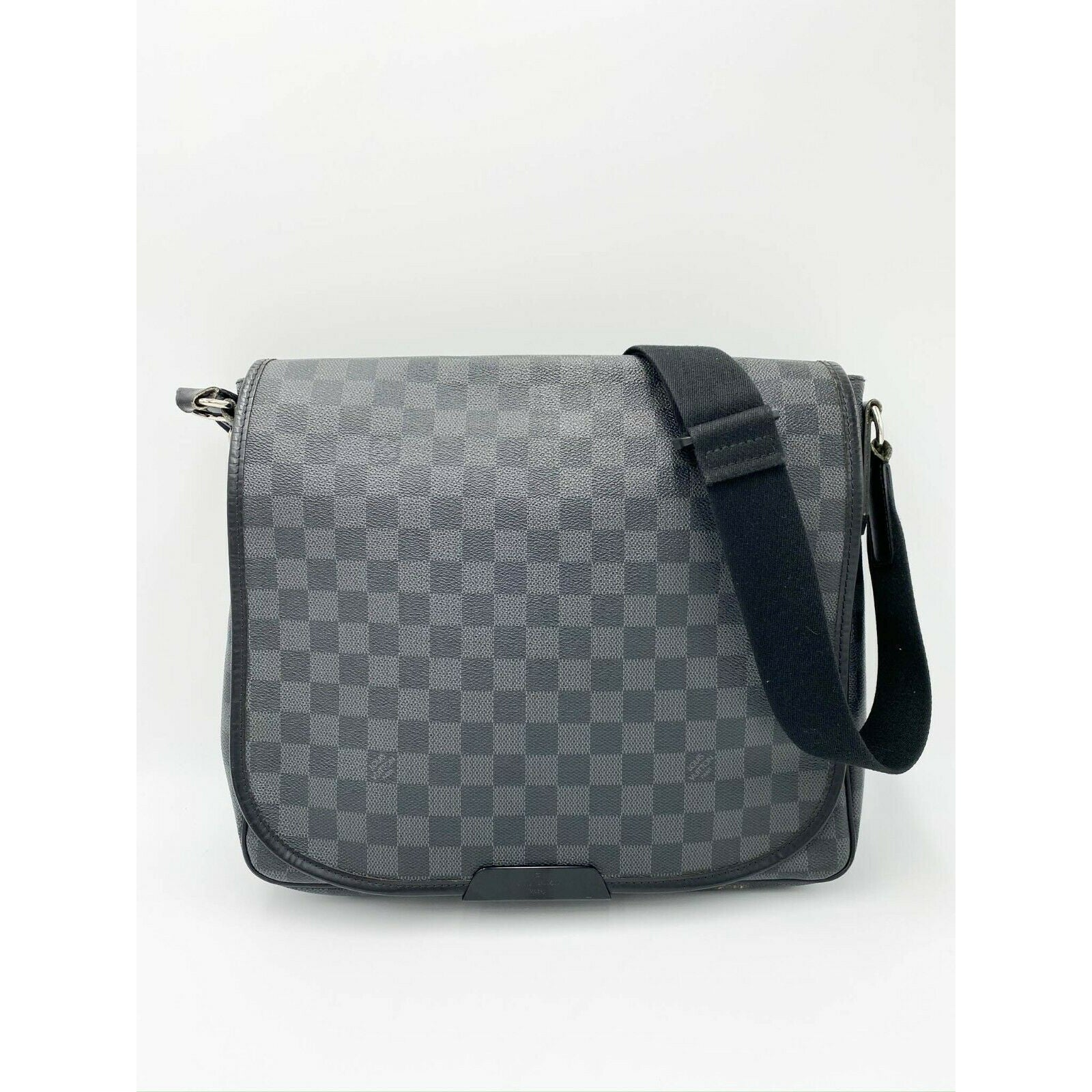 Louis Vuitton Daniel Mm Black Damier Graphite Canvas Laptop Bag Messenger