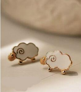 Bed Time Dream Earrings - White and Gold