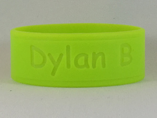 DillyBands 4-pack labels (4 names, colours, and fonts)