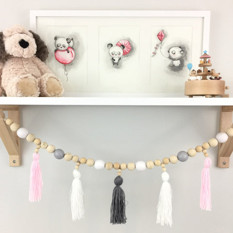 Pretty Wooden Garland Decor