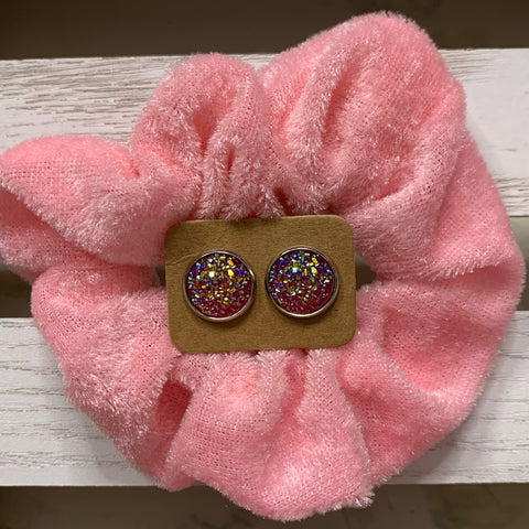 Pink scrunchie grab deal