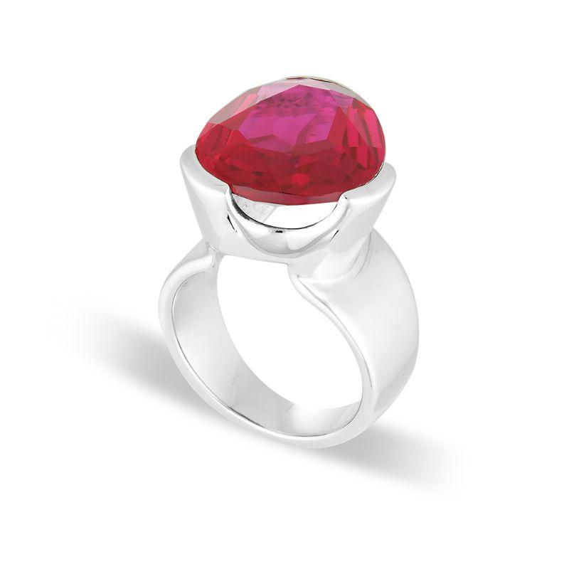 RUBY RED CORUNDUM COCKTAIL RING