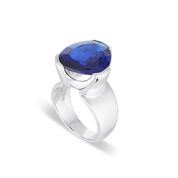 EVERYDAY GEMSTONE RING BLUE KYANITE QUARTZ