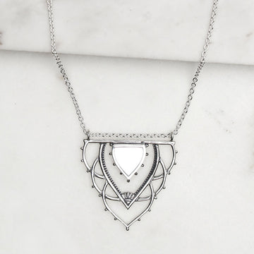 ANCIENT ARCHWAYS PEARL NECKLACE