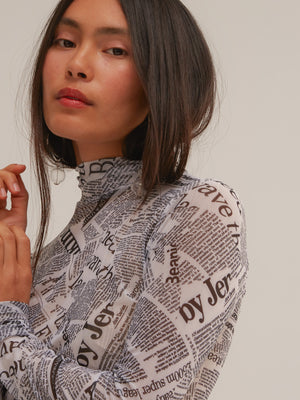 Chapelle Turtleneck in Newsprint