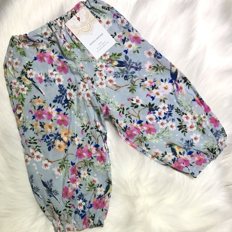 Floral and Finch Harems - size 1