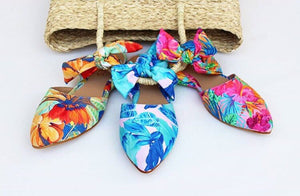 FLORAL STATEMENT SLIDES PRE- ORDER NOW AND SELECT YOUR FABRIC