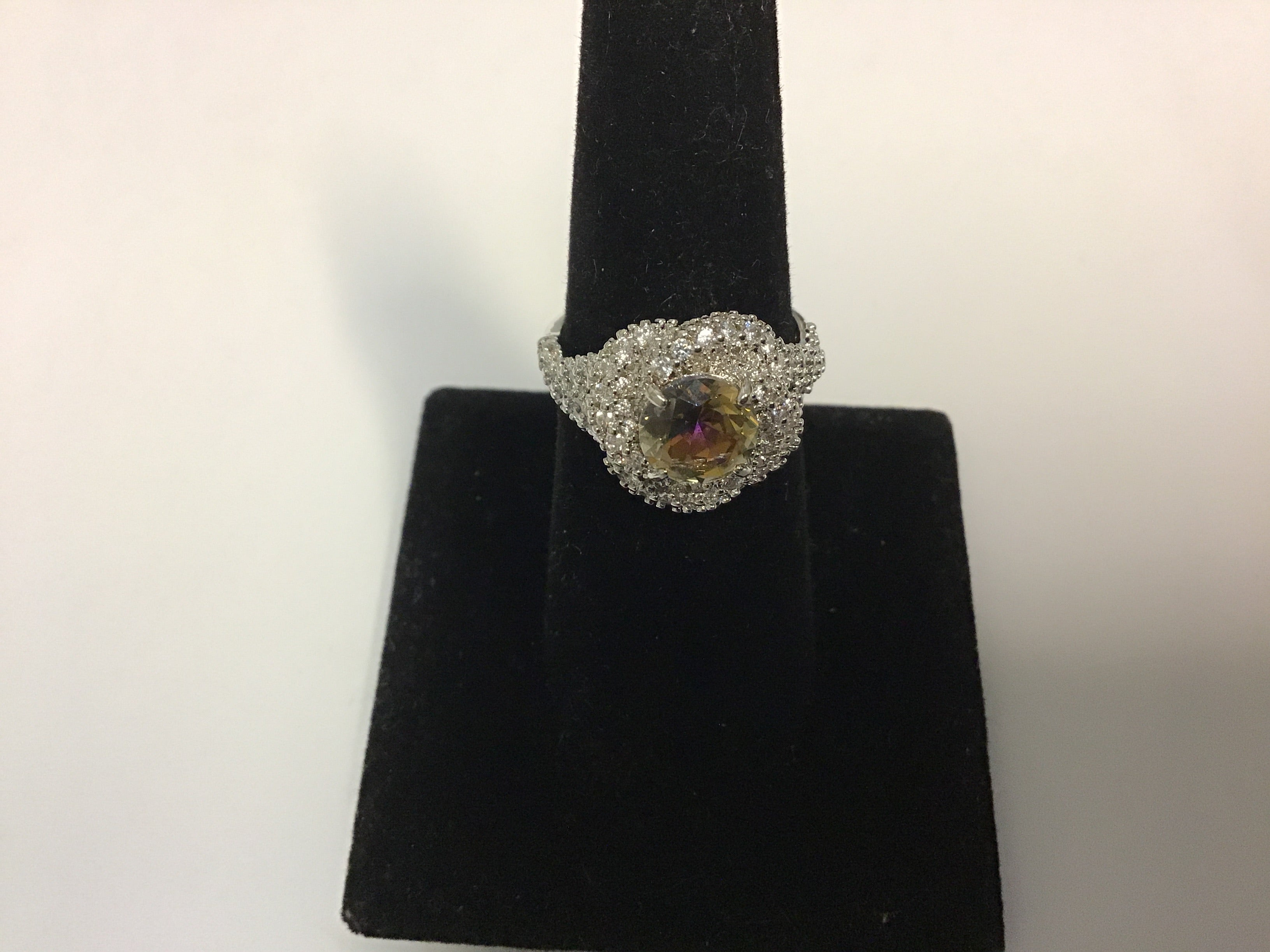 Topaz style  ring size 7
