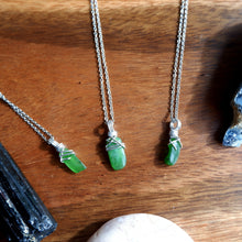Jade Dainty Shard Free-form Necklace