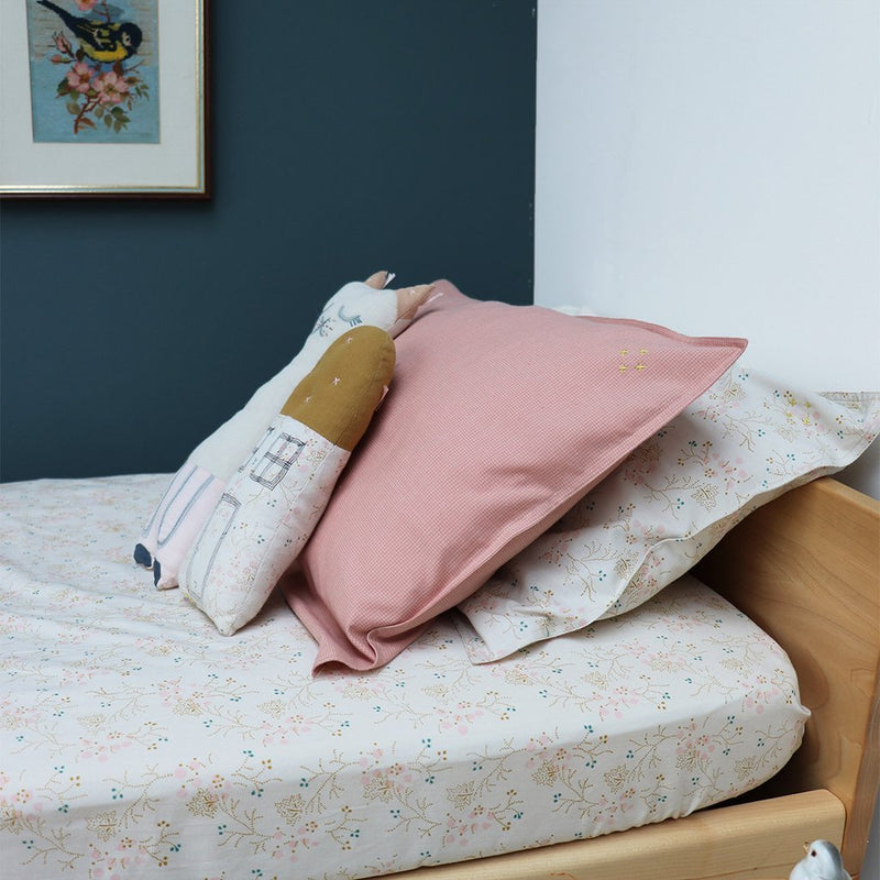 Camomile London Organic Fitted Sheet - Minako Floral | MINIOKE