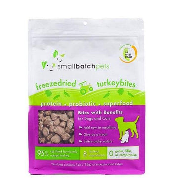 Small Batch Freeze Dried Turkey Bites Cat & Dog Food Mixer