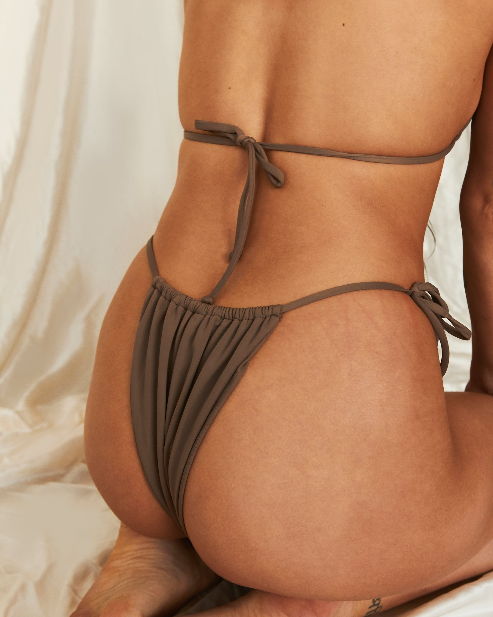 Jasmine bottom in Mocha (ECONYL®)