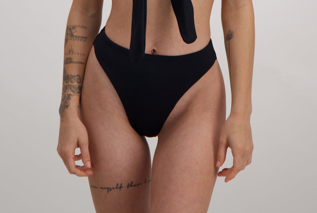 Forget-me-not bikini bottom in Noir
