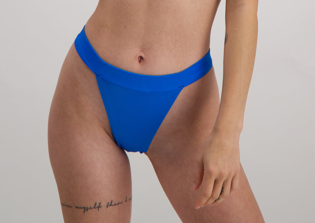 Iris bikini bottom 2.0 in Electric Blu