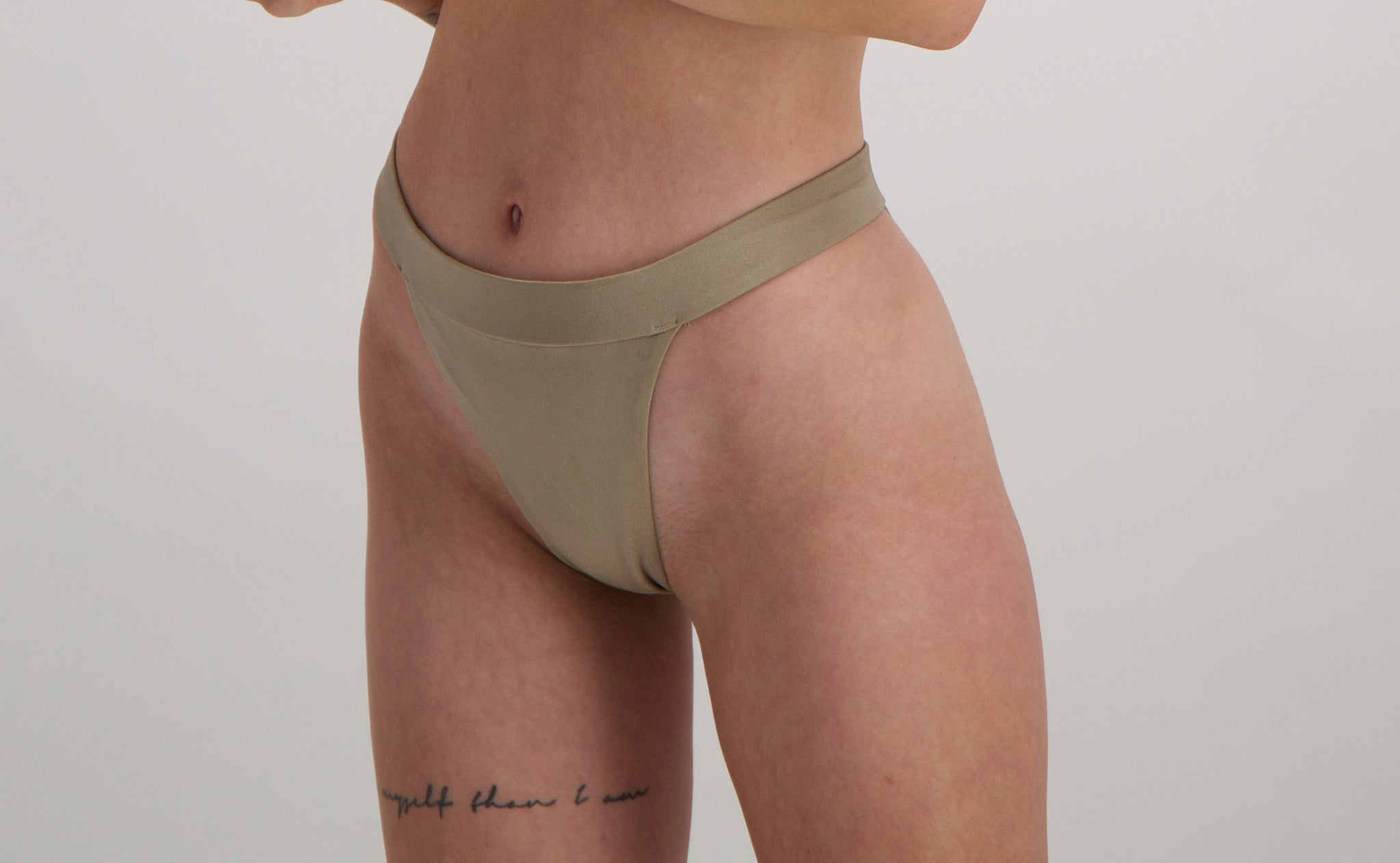 Iris bikini bottom 2.0 in Gold
