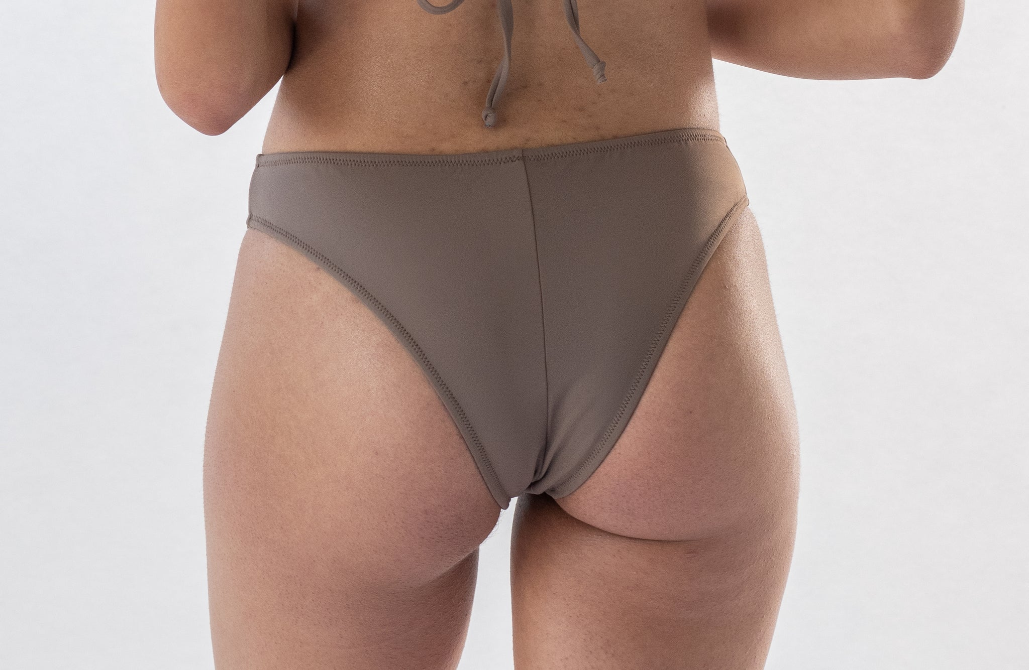 Calla bottom in Mocha (ECONYL®)
