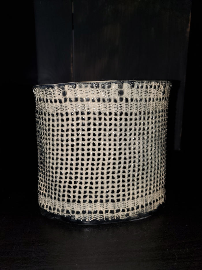 JRN - Grid Lace Vessel