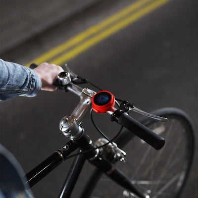 beeline velo red on handlebars