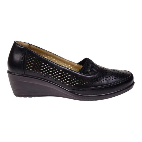 Ladies Shoe With Perforations