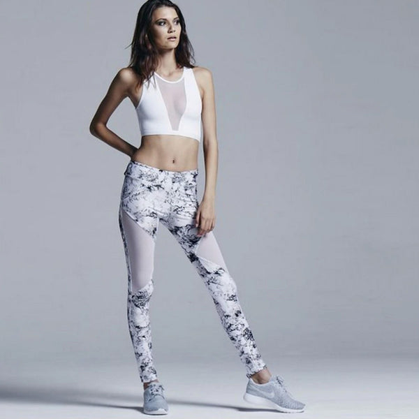 PERFORMANCE Crop Top and Mesh Panel Leggings