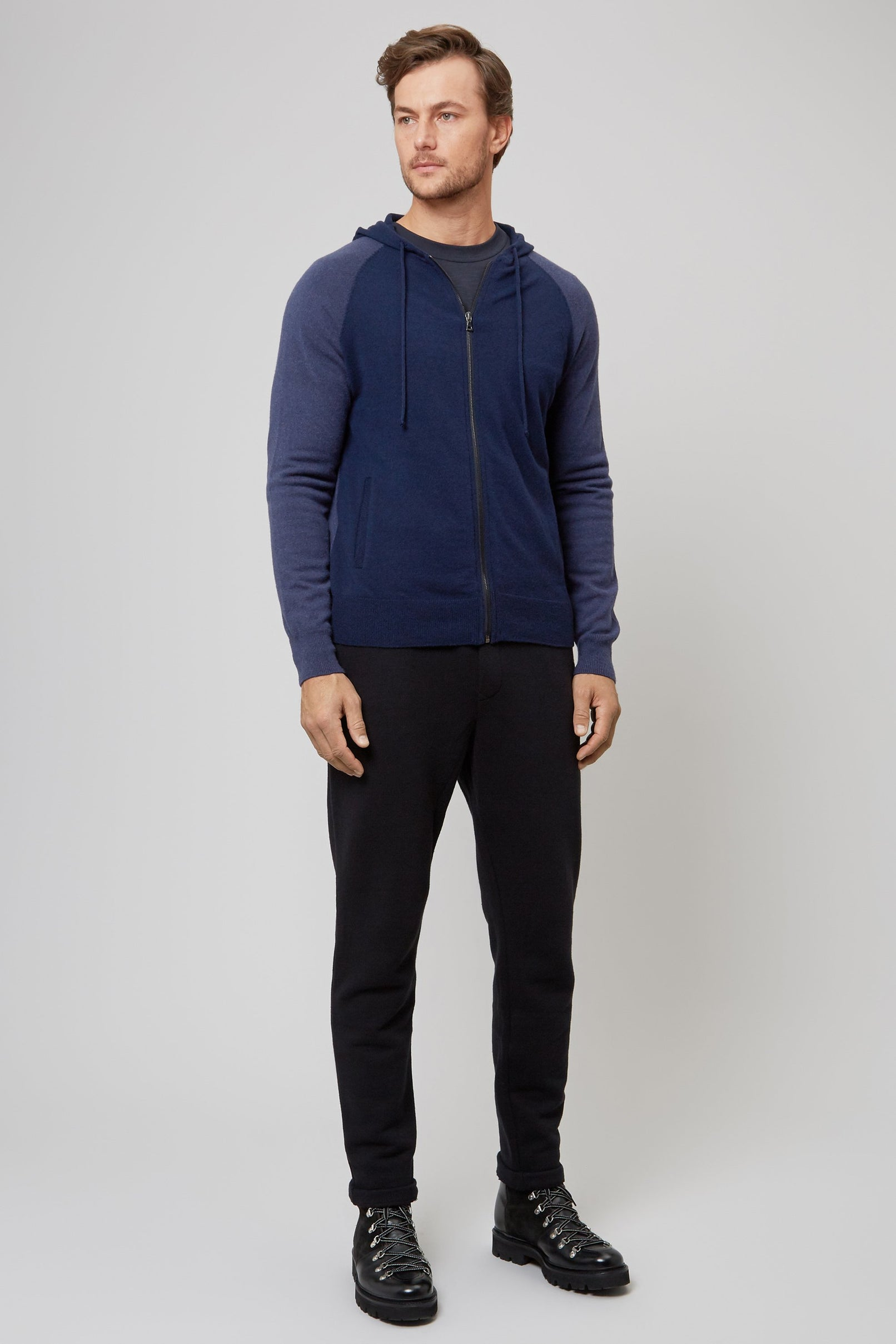 NAVY WOOL & CASHMERE SEAMLESS HOODED ZIP SWEATER