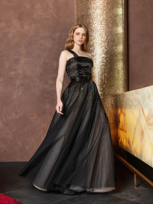 Richly embellished tulle volume gown