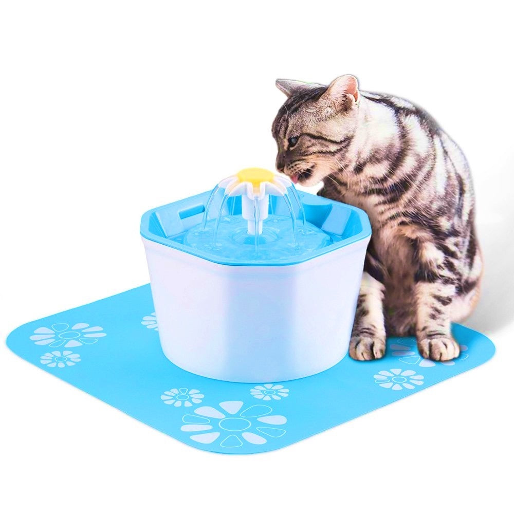 Pet Drinking Waterer for Dogs and Cats with a Full 1.6 Liters of Freshly Aerated Fountain Water