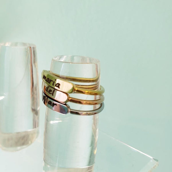 Stackable ring with bar