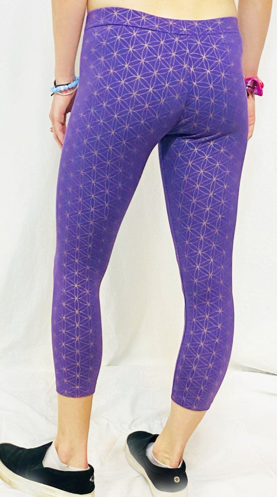 Onanya - Flower of Life (Purple & Gold) Capri Leggings