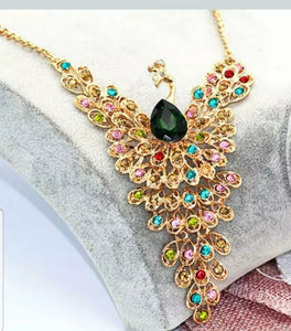 Betsey Johnson  PEACOCK Rhinestone Pendant Necklace