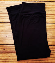 black buttery soft capri leggings
